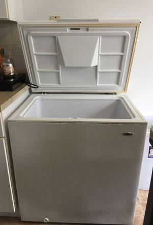 Deep freezer for Sale in Pittsburgh, PA