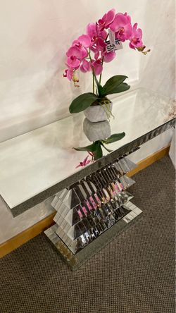Mirrored Console Table Thumbnail