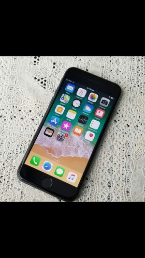 iPhone 8,,Factory Unlocked Excellent Condition for Sale in Springfield, VA