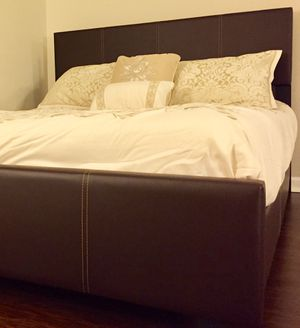 New Brown Queen/King Bed for Sale in Wheaton, MD