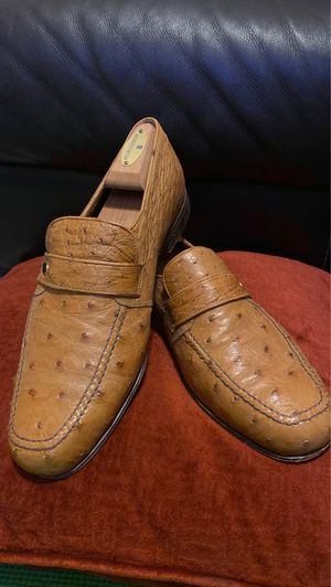 Photo Puruti Beverly Hills designer Ostrich men shoe