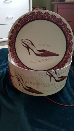 "Emily Adams Glamour Salon 15"" x 6.5"" hat box Thumbnail"