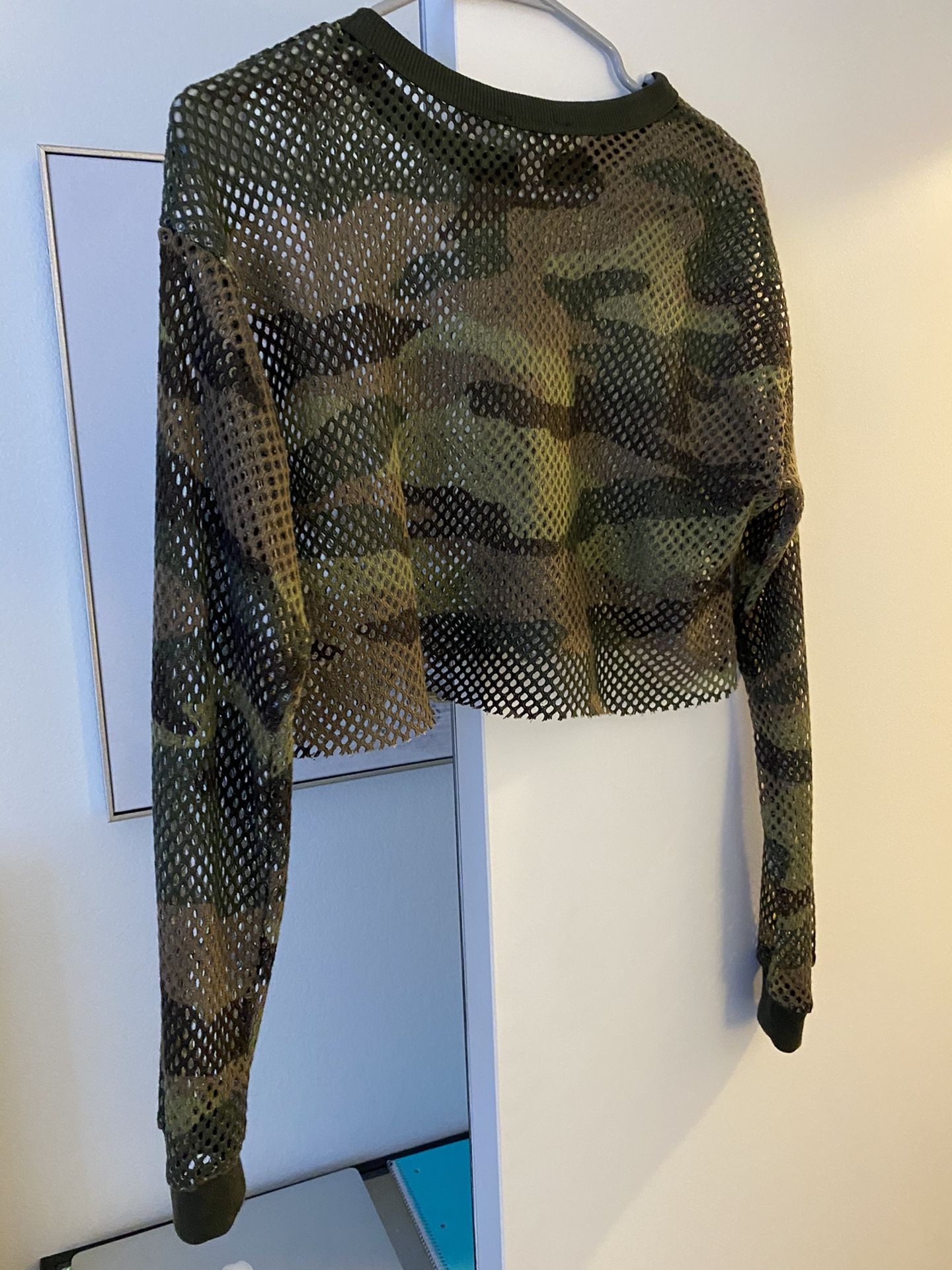 Forever 21 Camo Athletic Crop Top - XS
