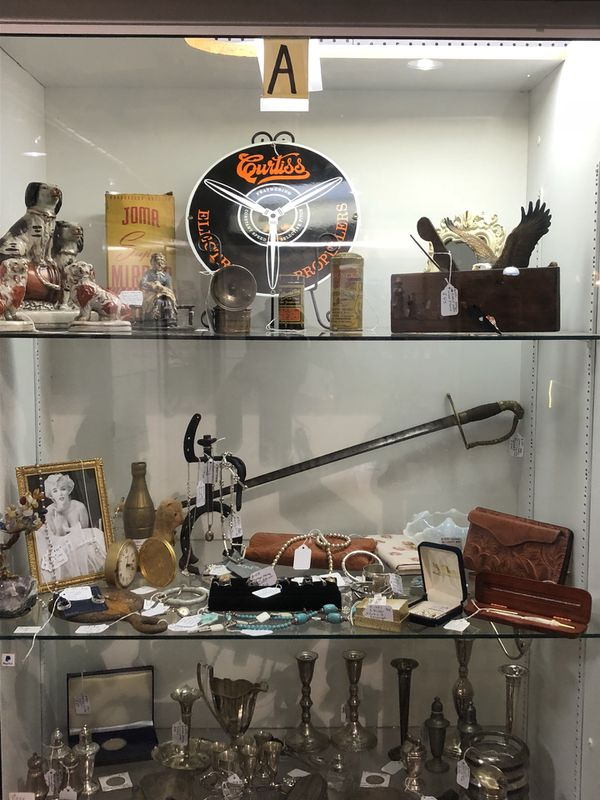 The Antique Mall In Manchester Show Case A Booth 1231 For Sale In