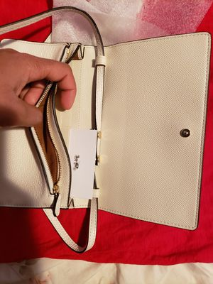 Photo COACH Womens, off white crossbody bag, brand new