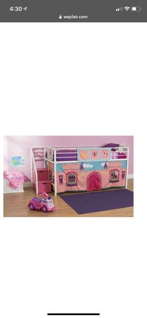 Photo Twin size loft bed