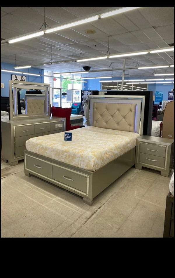 Queen bedroom set for Sale in Atlanta, GA - OfferUp