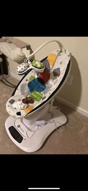 4moms baby swing for Sale in Frederick, MD