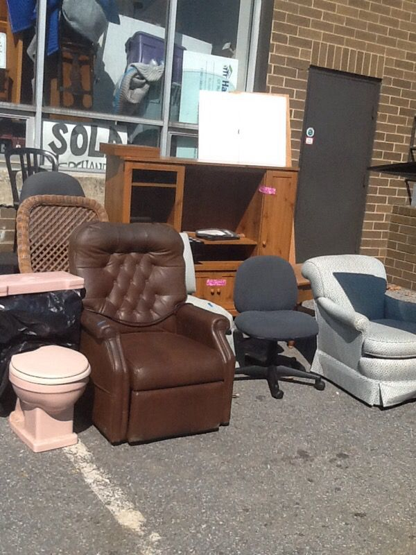 Free Furniture At Habitat Restore For Sale In Gaithersburg Md Offerup