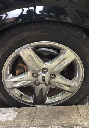 """4 premium Alloy 17"""" Lincoln rims. in Great condition for Sale in Temple Hills, MD"""