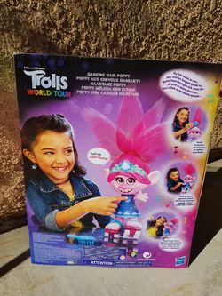 TROLLS DANCING HAIR POPPY Thumbnail