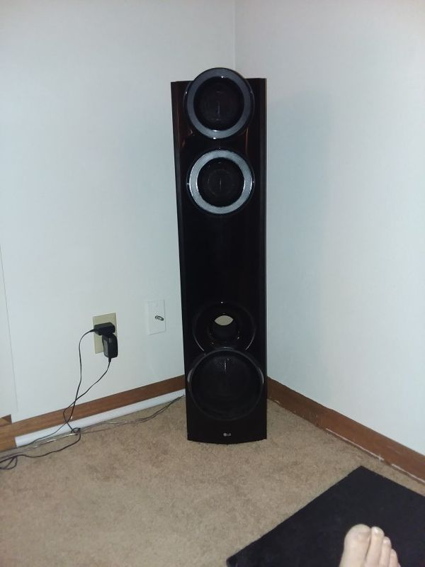 Tower speakers  Model #s65t3-s,brand lg for Sale in Davenport, IA - OfferUp