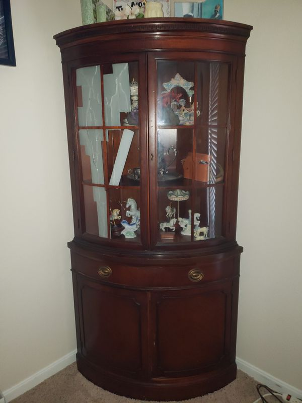 Curio Cabinet for Sale in Austin, TX - OfferUp