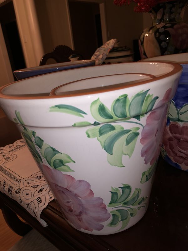 Two Portugal New England Pottery Bright Bold Floral 8 D Planter Pots