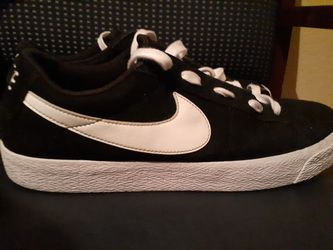 NIKE CHOES GREAT CONDITIONS  Thumbnail