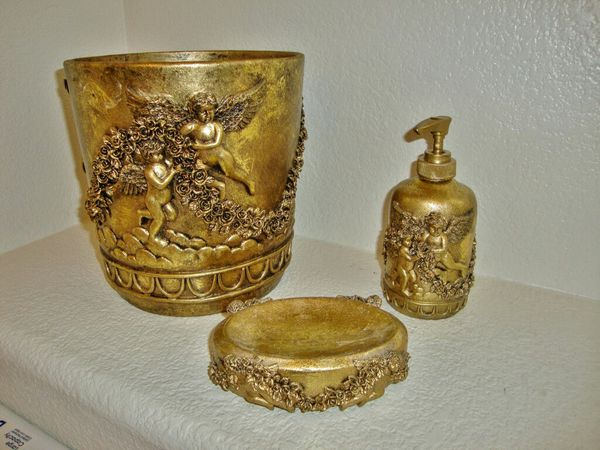 Free Delivery Gold Cherub Angel Bathroom Set 20 Firm For In Las Vegas Nv Offerup