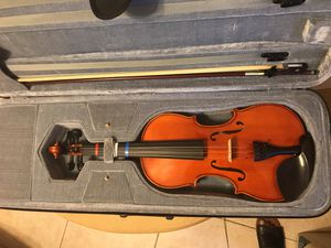 Full size violin with carrying case and bow for Sale in Oviedo, FL