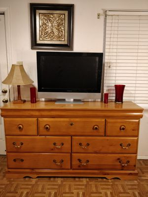 "Nice modern big dresser/TV stand with 7 drawers in very good condition. L64""*W16""*H35.5"" for Sale in Annandale, VA"