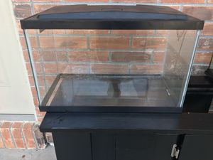 10 gallon tank with lid and LED lights for Sale in Chuluota, FL