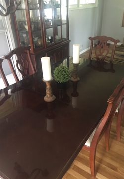 Coffee tables and dinning room set Thumbnail