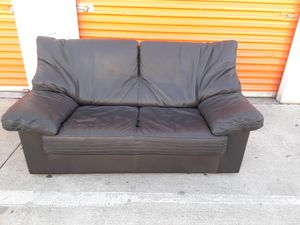 Fine grain black leather sofa set with loveseat and easy chair -- Nicoletti -- make offer for Sale in Los Angeles, CA