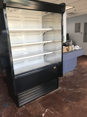 Open case grap and go merchandiser for Sale in Windermere, FL