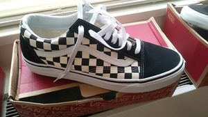 LOW-TOP OLD SKOOL VANS BRAND NEW SIZE 10.5 for Sale in Washington, DC