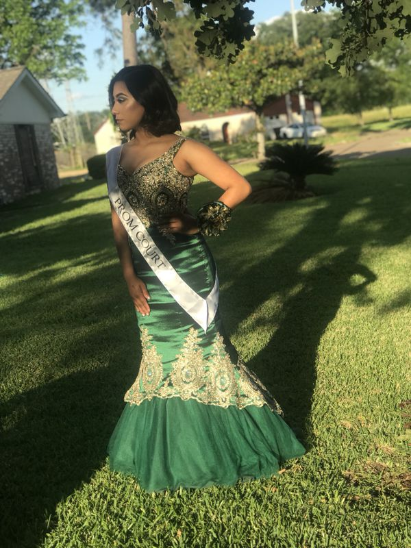 Prom dress for Sale in Houston, TX - OfferUp