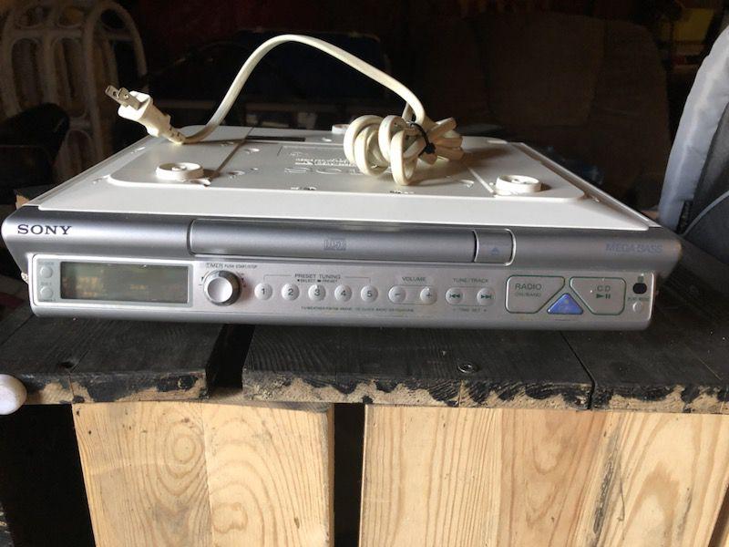 Kitchen AM/FM under counter radio