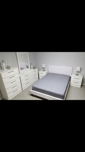 Juego de cuarto... Bedroom Set for Sale in Coral Gables, FL