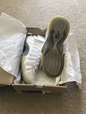 806d63bef91a OG triple white foamposite size 8.0 175  serious only. for Sale in Daly City