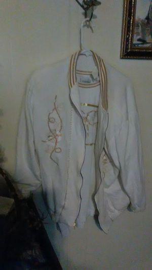 Woman's shirt XL for Sale in Barryton, MI