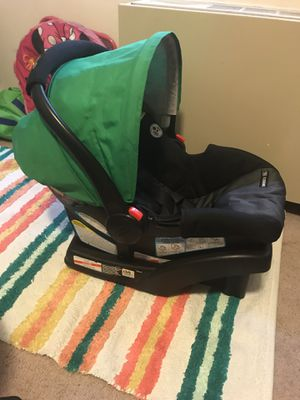 Craco click connect infant car seat for Sale in Arlington, VA