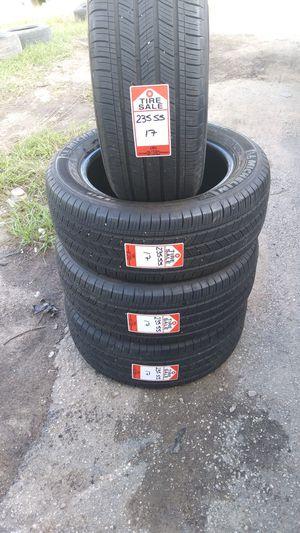235 55 17 Michelín for Sale in Houston, TX