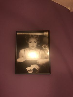 Small Marilyn Monroe/Audrey Hepburn pictures for Sale in Lincolnia, VA