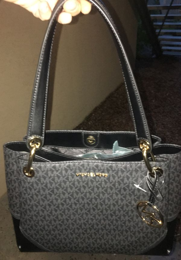 f397501cd3b875 Michael Kors purse brand new with tags on it Nicole GSHDR tote for ...