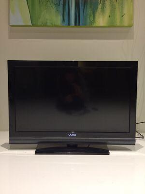 """Vizio 32"""" class LCD HDTV for Sale in San Diego, CA"""