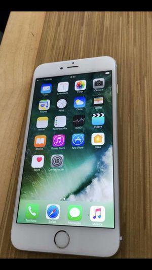 Hola oiga tengo este iPhone 6 Plus desbloqueado o sea que se puede conectar No solo a ATT o cricket si no también Tmobile metro Pcs de hecho en Terc for Sale in Denver, CO