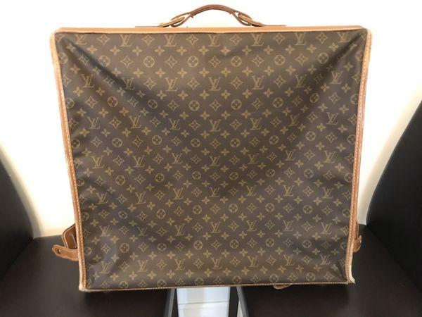 df99d026bcee Vintage Louis Vuitton Garment Bag!! for Sale in Portland