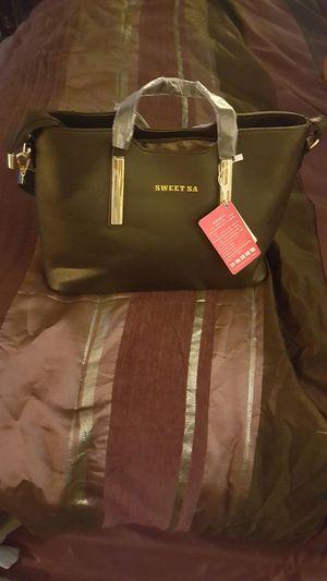 Women's black synthetic leather handbag for Sale in Dinwiddie, VA