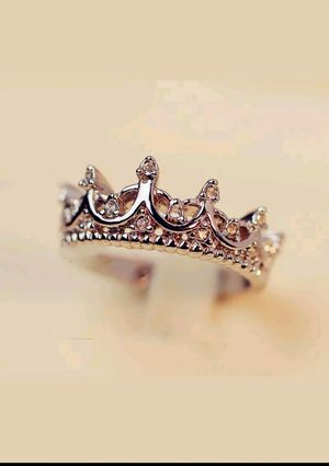 Queen ring for Sale in Marysville, WA