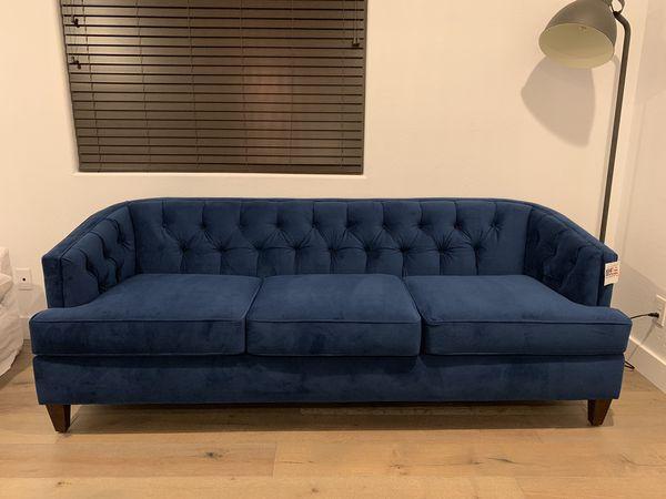 b5b0324a82ae6 NEW Stone   Beam Leila Velvet Tufted Sofa