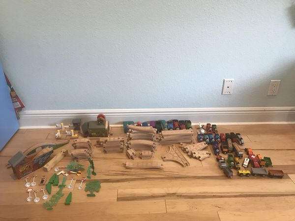 Thomas The Train Motorized Trains And Wood Tracks For Sale In Boynton Beach Fl Offerup