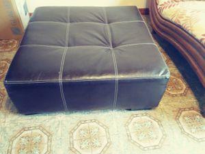 Ottoman for Sale in Hialeah, FL