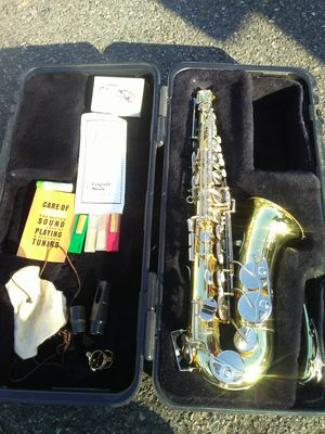 Saxophone Bundy 2 for Sale in Brier, WA