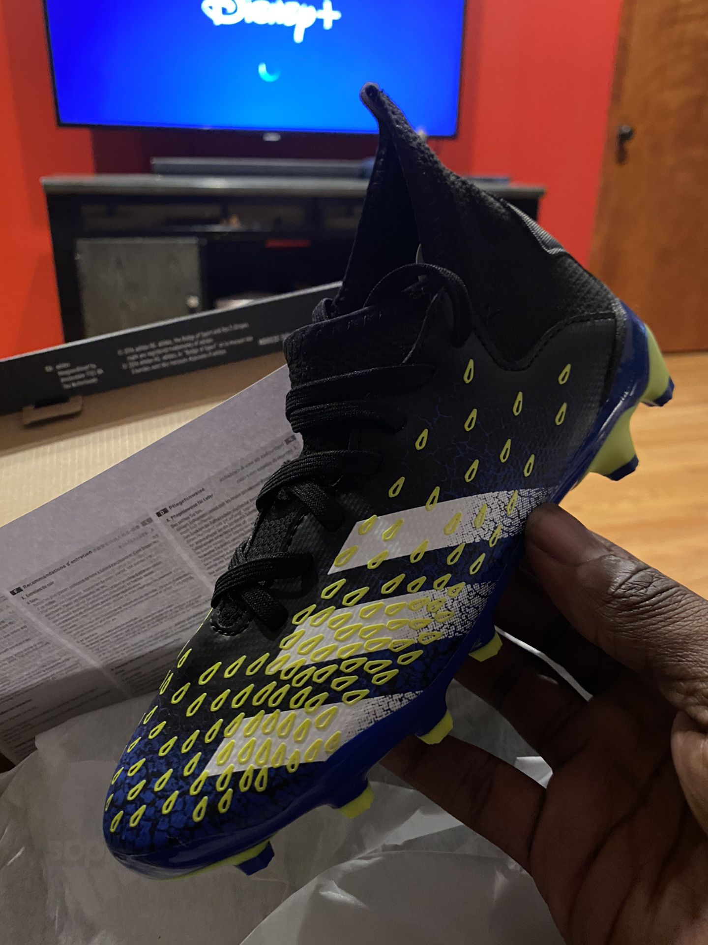 Youth Adidas Soccer Cleats. Size 1.5