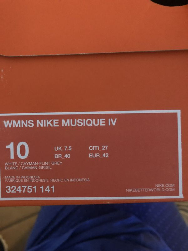 889434f56d449a Women s Nike Musique IV Size 10 for Sale in Miami