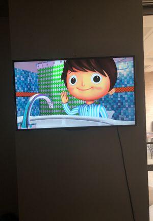 Roku Flat Screen Tv for Sale in Dallas, TX