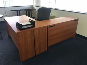 Brown L Shaped Desk for Sale in Washington, DC