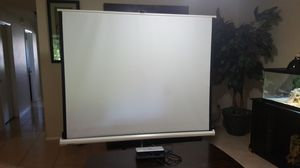 Projector and Projection Screen 6 ft for Sale in Kissimmee, FL
